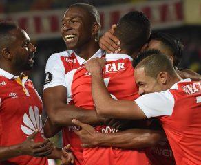 Santa Fe goleó 3-0 a Santiago Wanderers y clasifica al grupo 4 de la Libertadores