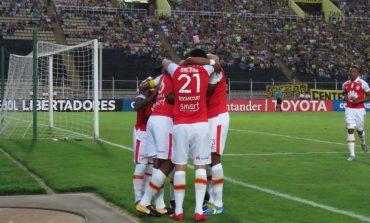 Santa Fe se impuso 3-2 en su visita al Táchira por Copa Libertadores