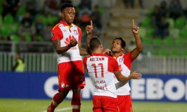 Santa Fe derrotó 2-1 al Santiago Wanderers con un doblete de Morelo