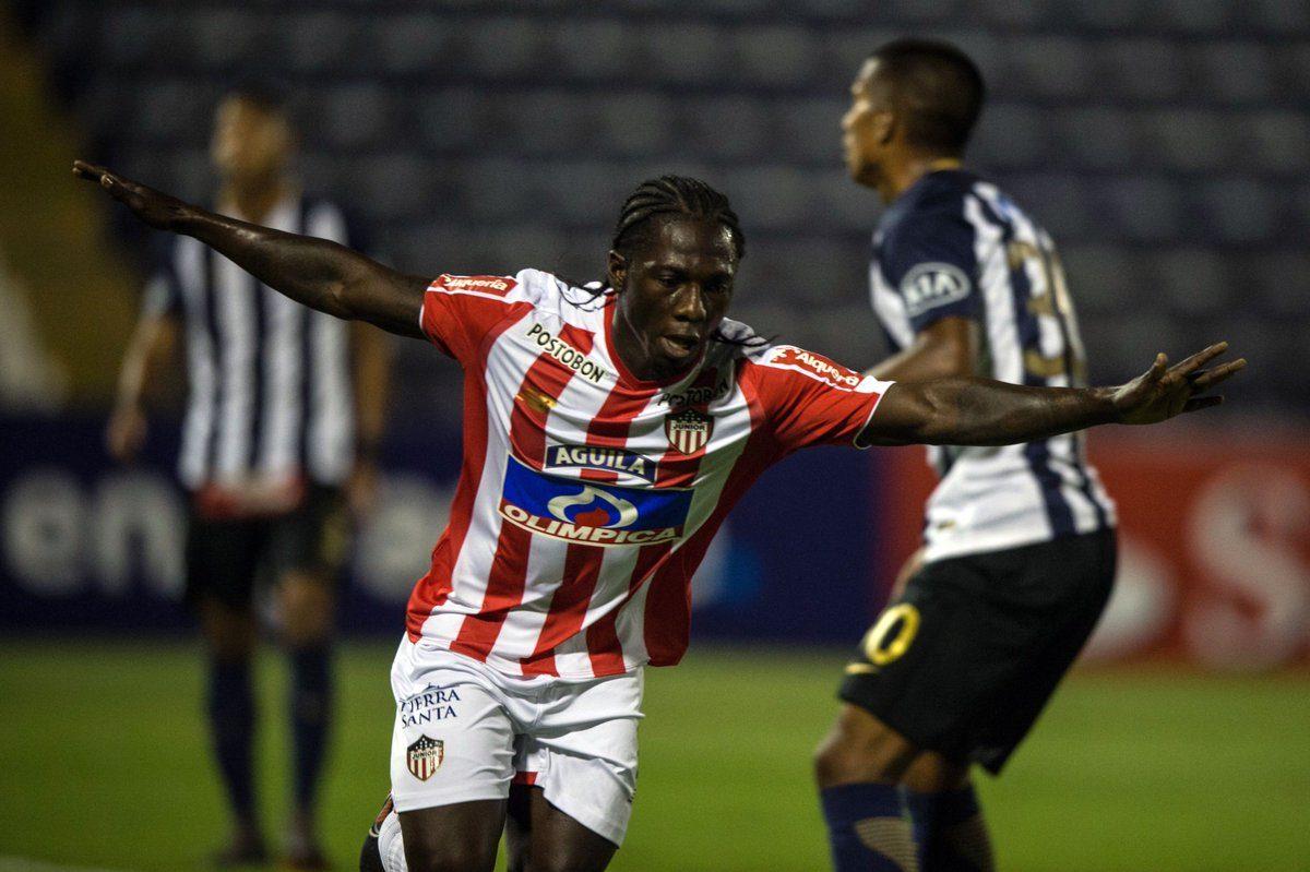 ¡Junior sigue vivo! Derrotó 2-0 a Alianza Lima