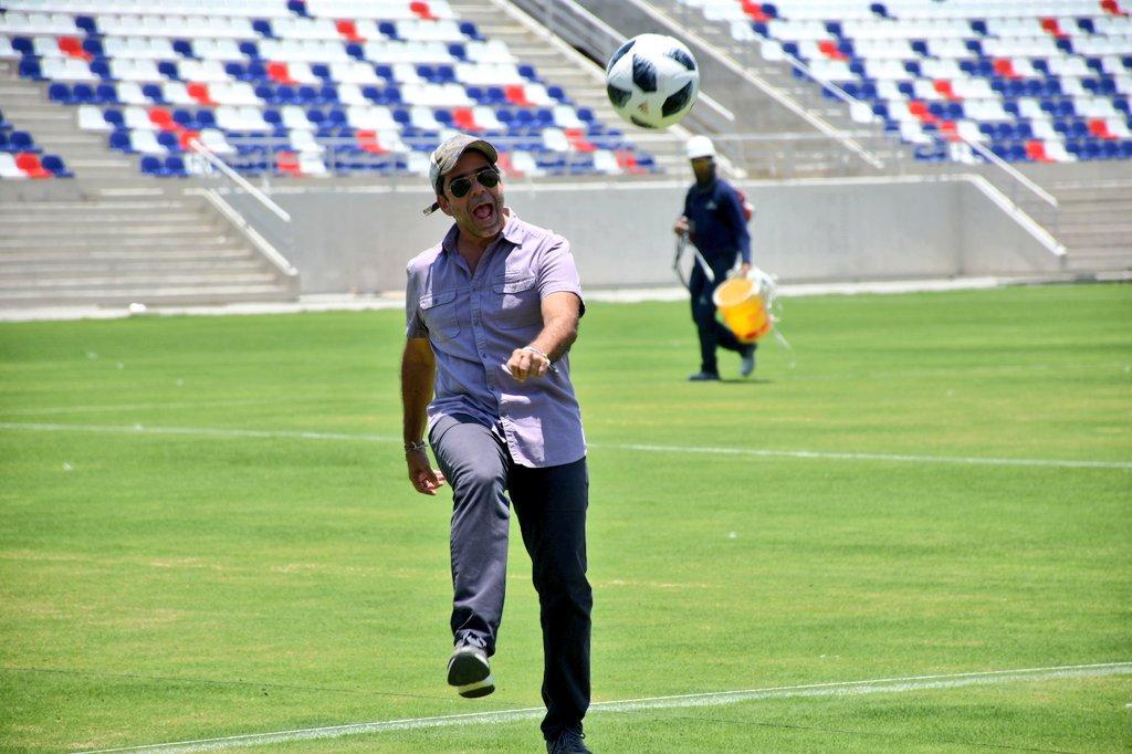 Estrellas del fútbol mundial y colombianas jugarán partido inaugural del Romelio Martínez