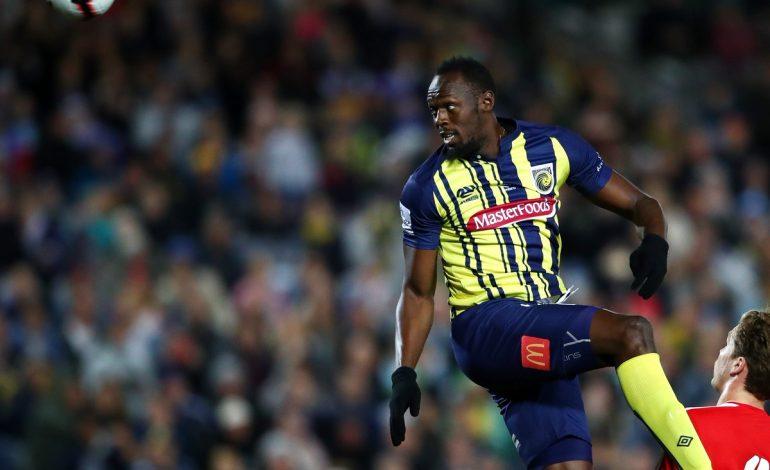 Usain Bolt cumplió su sueño y debutó como futbolista
